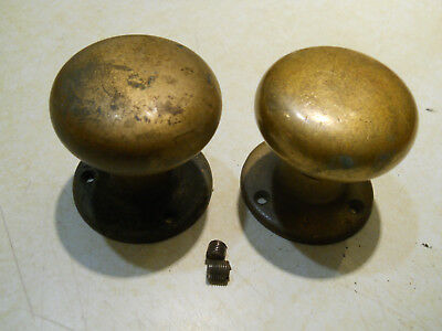 2 ANTIQUE YALE BRASS DOORKNOBS w ESCUTCHEONS RESTORATION HARDWARE PART LOT AK5