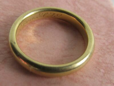 Vintage 14K Yellow Gold Wedding Band Ring Size 6. 4.46 Grams Dated 1919 or 1979
