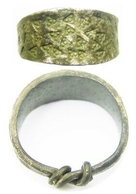9th - 10th century A.D. Ancient Scandinavian Viking silver finger ring