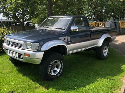 1990 Toyota Hilux 4x4 pickup + Very good condition + Rare + only 119k + L@@K