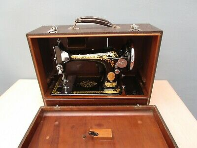 Vintage 1937 Electric 28K Singer Sewing Machine In Carry Case - No Key