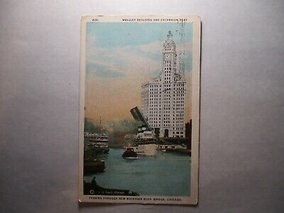 Old Postcard, CHICAGO, ILLINOIS, WRIGLEY BUILDING AND EXCURSION BOAT, 429