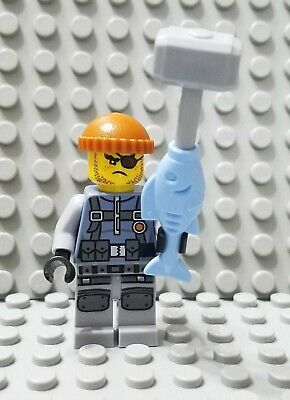 LEGO New The Ninjago Movie Officer Torque Minifigure with Handcuffs 70607