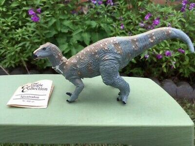 KENTROSAURUS by Safari Ltd// Wild Safari// toy dinosaur// 300629// RETIRED