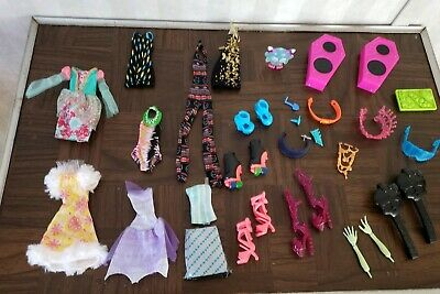 EVER AFTER HIGH & Monster High doll clothes arms hands  Shoes nice sets  ect