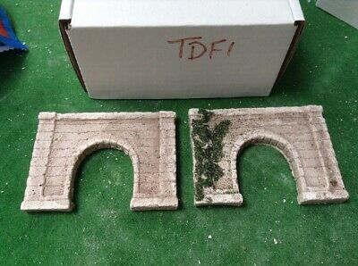 2 X Z Scale Single Track Tunnel Portals, Concrete Style, Painted Grey & Foliage