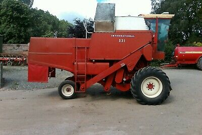 International 531 Combine Harvester, 1978, excellent condition.
