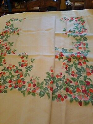 """Vintage WHITE Linen TABLECLOTH with Red STRAWBERRIES 80"""" x 56"""" Very Good Cond"""