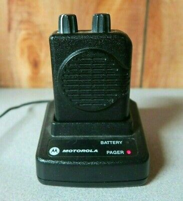 Motorola Minitor V (5) 2-Channel VHF Pager 151-159 MHz with Charger