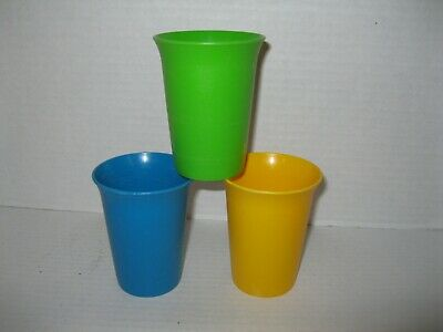 TUPPERWARE ~ 7 oz BELL TUMBLERS toddler sippy cups BLUE YELLOW GREEN (pre owned)