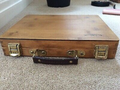 Vintage Wooden Winsor & Newton Artists Box with handle