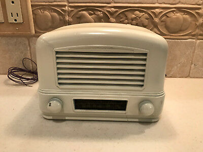 1940 Airline Model 04BR-512A Working Vacume Tube Radio