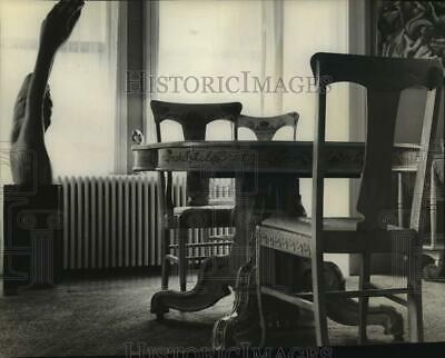 1964 Press Photo Antique table painted by Mrs. Frank Williams in Altamont, NY
