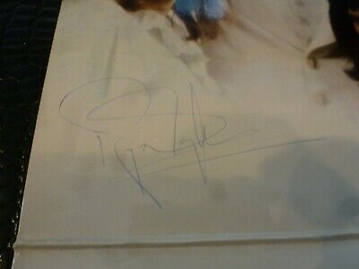 QUEEN, Freddie Mercury, Brian May, ROGER TAYLOR BEAUTIFULLY SIGNED Queen 2 lp!