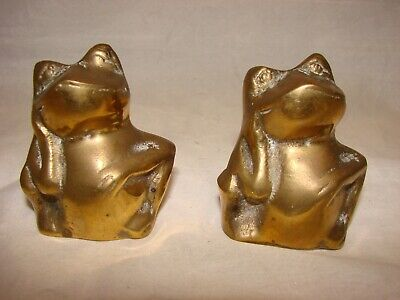Pair of Vintage Ca 60s Brass ~ Frogs ~ Figurine, Paperweight, Ornament, Frog