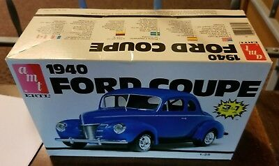 VINTAGE AMT 1940 Ford DeLuxe Coupe 3-in-1 Unbuilt Trophy