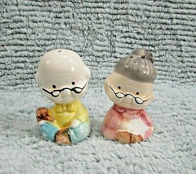 "Hand Painted Vintage 1990's 2"" Ceramic Old Man Woman Couple Salt Pepper FREE S/H"