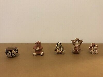 Lot of 5 Native American Miniature Pottery Objects