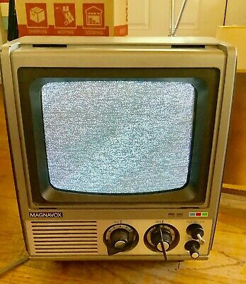Vtg 1978 Magnavox Portable Color television TV set 9 inch works BJ4010bK01
