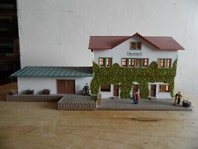Building Built For Display  Oo/Ho Scale   Railway Station.bus Station
