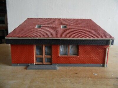 Building Built For Display  Oo/Ho Scale   Restaurant/ Community Centre
