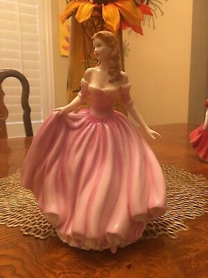 """Royal Doulton Figurine """"special"""" Just For You - 2001 - HN4236"""