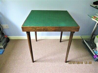 Vintage VONO Card Table. Collect only.