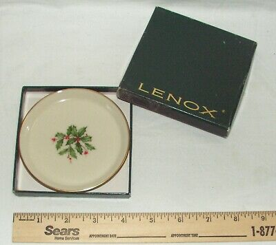 Lenox Holiday Holly Berry Round Coaster 24k Gold Trim_Mint