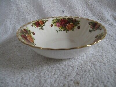 """Royal Albert """" OLD COUNTRY ROSES """" Cereal  bowl   made in England ~"""