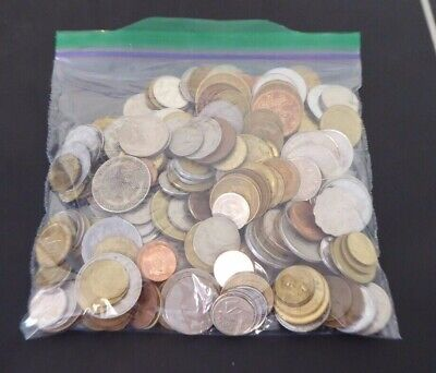 1 Kg Lot of world coins a bit over 2 pounds (2)
