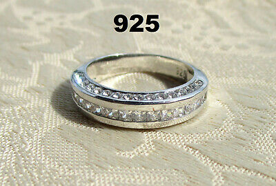 Estate Vintage 925 Sterling Silver Ring with Cubic Zirconia Stones
