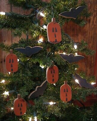= NEW Primitive Mini BAT Wood HaRVeST FaLL Halloween Pumpkin JOL Ornies Ornament