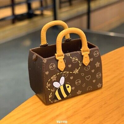 A BAG FOR LOL Surprise LiL Sisters L.O.L. QUEEN BEE SERIES 2 doll