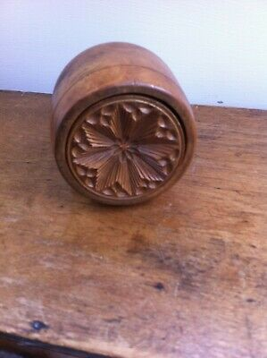 LOVELY DECORATIVE ANTIQUE CARVED WOODEN BUTTER STAMP - 3.25 inches