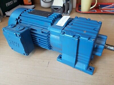 SEW EURODRIVE R17 DT80K2 motor with gearbox