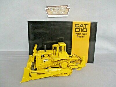 CCM CAT D10 Tractor with Push Blade w/ ripper (open ROPS