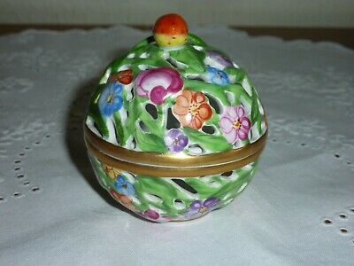 Lovely Herend Pierced Lidded Bowl with Strawberry Finial/Flower Decoration