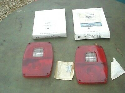 2 NOS 1967-83 Ford Truck Square Tail Light Lens F-100 F-250 D3TZ-13450-B Lot #2
