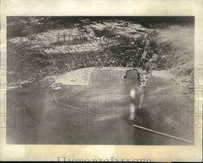 1944 Press Photo World War II aerial view of Cherbourg harbor, France