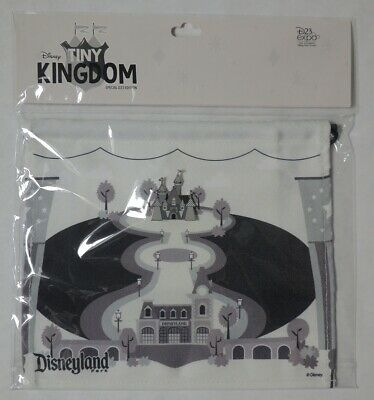 ESAR0163 D23 Expo Limited Release Tiny Kingdom Disneyland Map and Castle Pin Set