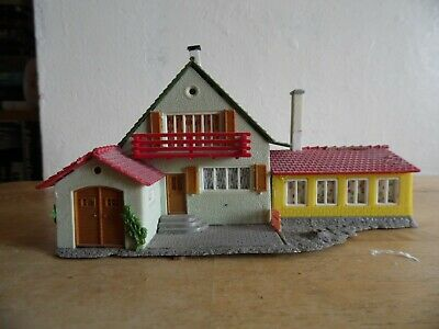 Building Built For Display  Oo/Ho Scale    Guest House With External Dining Room