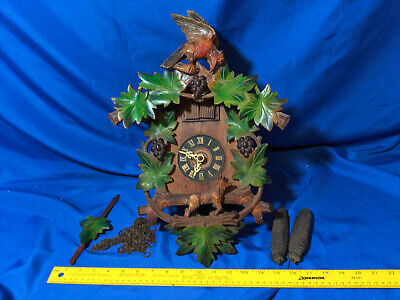 Beautiful Antique Fox and Grape Cuckoo Clock Leaf German Black Forest VTG