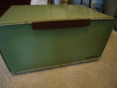 Vintage Lincoln Beautyware Avocado/Olive Retro Metal Bread Box W/ Pie Shelf