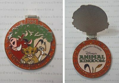 2004 Disney World ANIMAL KINGDOM THE LION KING Simba Timon Pumbaa Passholder Pin