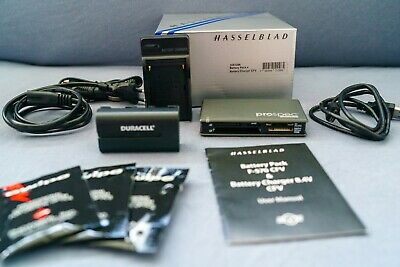 Hasselblad CFV Battery Charger Pack (3051096) with original boxing + acessories