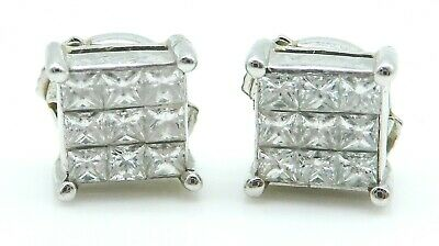 BEAUTIFUL Pair of Solid 18k White Gold / .40 CT TWT Diamonds Ladies Earrings