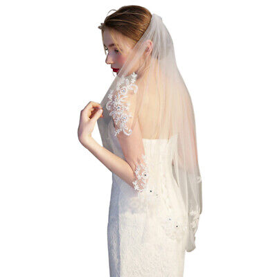 Elegent Crystal Beaded Short Bridal Veils with Lace Appliques