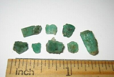 "8 RARE! GOOD QUALITY NATURAL .2""-.4"" EMERALD GREEN BERYL CRYSTALS PAKISTAN - 2g"