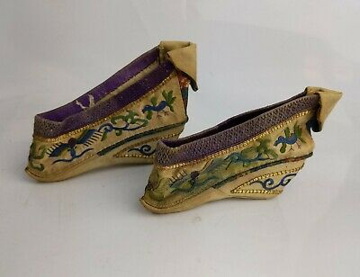 Chinese Antique Exceptional Pair Silk Embroidered Bound Feet Shoes Gold Thread