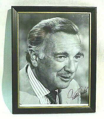 Walter Cronkite HAND SIGNED Autographed 8 x 10 Photo - Deceased news reporter